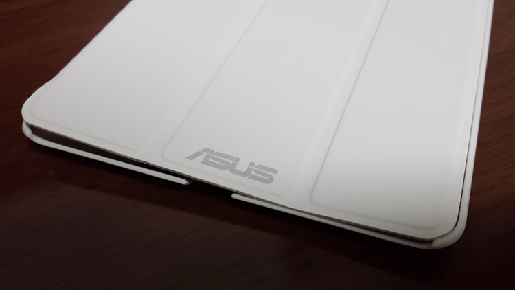 Nexus 7 (2013) 純正プレミアムカバーを買ってみたが…